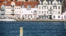 Kommunen: Det er forbudt at bade i havnen i Sønderborg