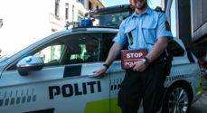 Knallerkørere lavede chikanekørsel for næsen af politiet