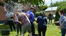 EUD & EUX Business overdængede lærere med 2000 vandballoner