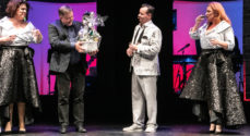 'Breaking News' - Karsten Schøn blev fejret i Sønderborg Sommer Revy