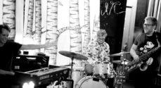 Flat Bob Trio spiller i Torve-Hallen