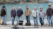 Hvem vil du se Fisherman's Friends sammen med? Vind biografbilletter