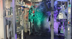 Glaskunst i Borgen sætter fokus på klima og forurening