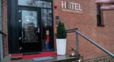 Udvalgte gæster vises rundt på Hotel Sønderborg Kaserne
