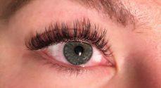 Sparkling Winks: Kvinder tilbydes fyldige, kunstige øjenvipper