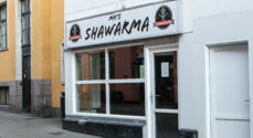 KM's Shawarma: Ingen garanti for hjælpepakke til os - så vi åbner for take away