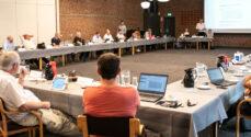 Byråds- og regionsrådsmøder fortsætter med Corona-regler