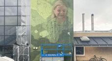 Andreas Welin nyfortolker Davre-pigerne for SuperBrugsen i Gråsten
