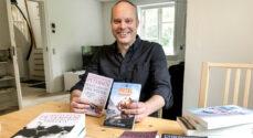 Mød Chris Patton der udgiver engelske bøger under navnet Christoffer Petersen