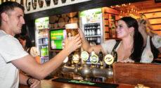 Billeder: Første genåbningsdag på Heidi's Bier Bar