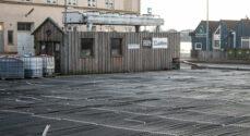 Billeder: Skøjtebanen er ved at blive gjort klar
