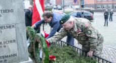 Billeder: Faldne soldater mindes