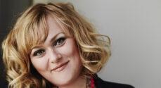 Marie Carmen Koppel synger julens sange i Kinorama