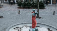 Kvindeparaplyen klæder Alspigen i Orange